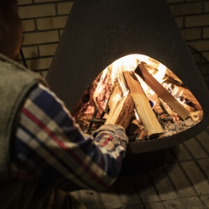 ウッディーエリアには薪ストーブを備えたコミュニティースペース「Danro」を完備。